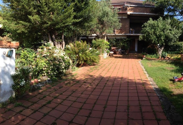 B&B Falcone, Castrovillari, Garden