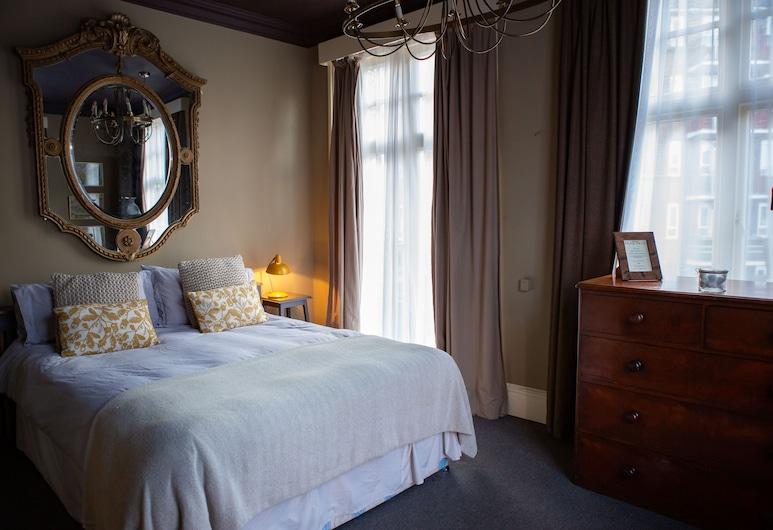 梨樹酒店, 倫敦