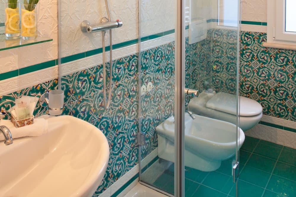 ห้องดับเบิล, ระเบียง, วิวทะเล - ห้องน้ำ