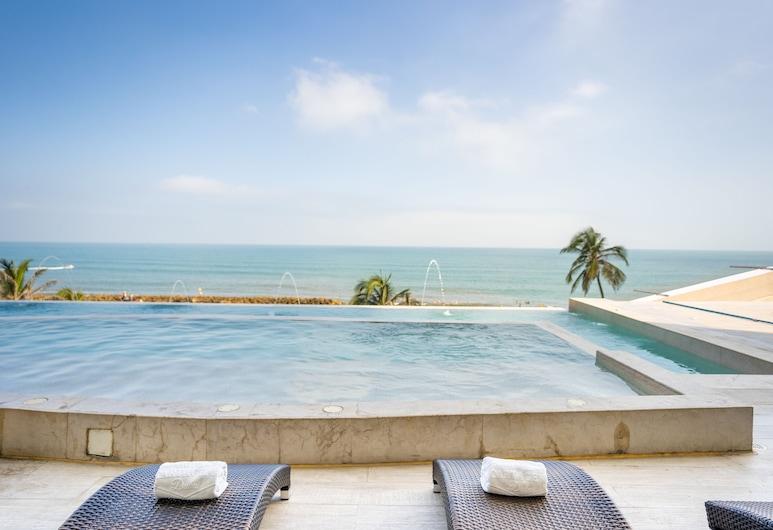 Be Live Experience Cartagena Dubai , Cartagena, Außen-Whirlpool