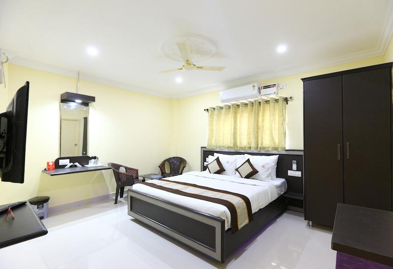 Saibala Inn, Ченнаи, Двухместный номер «люкс» с 1 двуспальной кроватью, 1 двуспальная кровать «Кинг-сайз», Номер