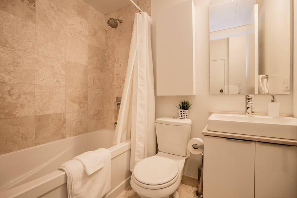 Suite, 2 Bedrooms, 2 Bathrooms - Bathroom