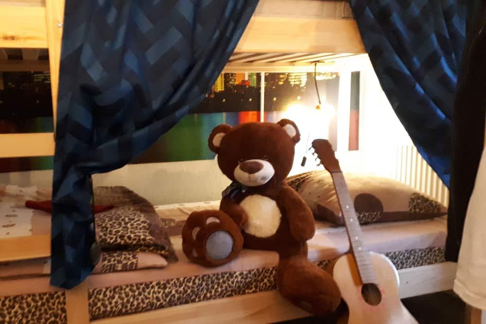Room, Mixed Dorm (Bed in 8-Bed) - Imej Utama