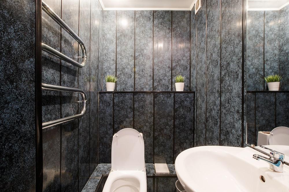 Room, Mixed Dorm (Bed in 8-Bed) - Bilik mandi