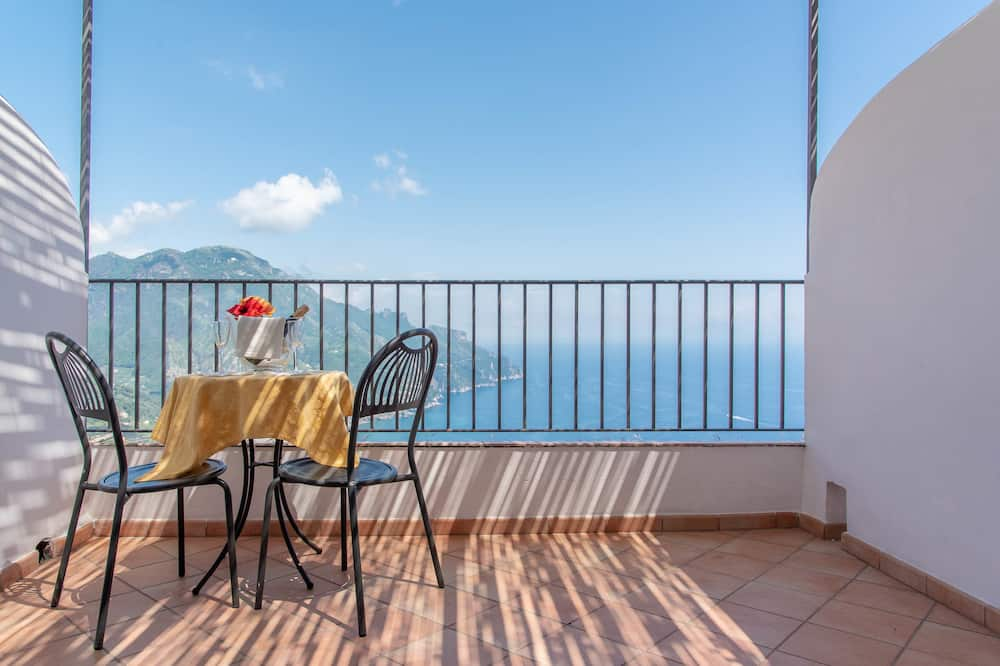 Deluxe Double Room, Balcony, Sea View - Water view