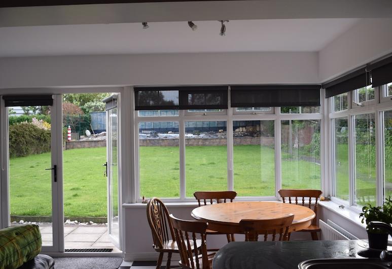 Coastal Home away from Home, Portstewart, Ev, 4 Yatak Odası, Bahçeli, Oturma Alanı