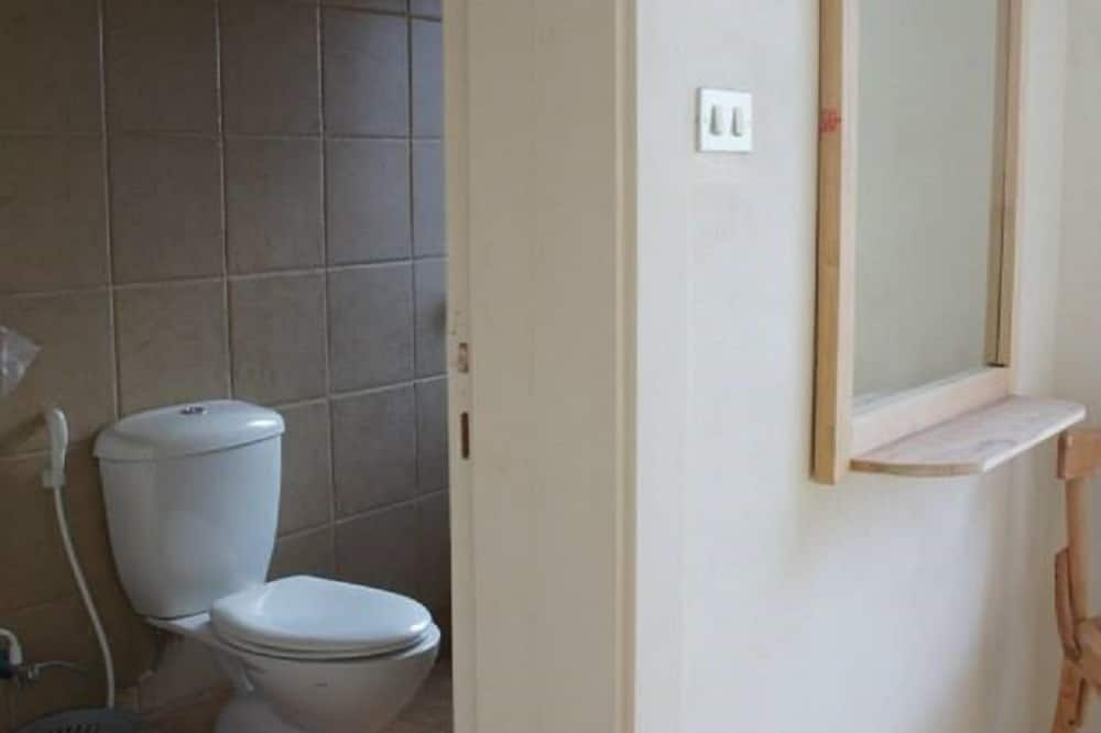 Basic Twin Room, Private Bathroom - Bilik mandi