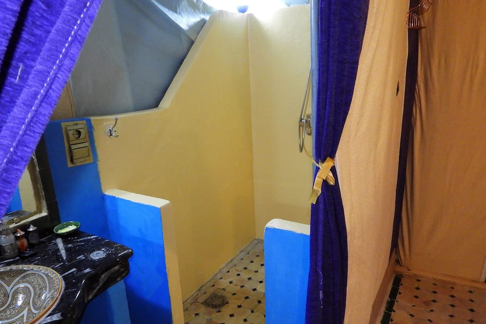 Royal Tent, 2 Twin Beds, Terrace, Valley View - Bathroom