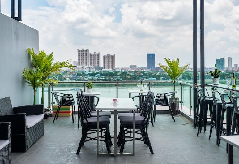โรงแรมนูส์ ริเวอร์, พนมเปญ, ลานระเบียง/นอกชาน