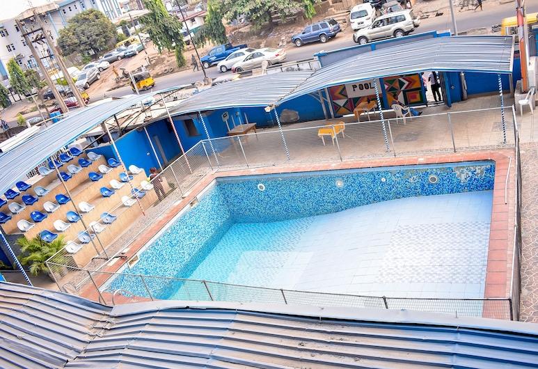 杜班國際飯店, 拉各斯, 游泳池