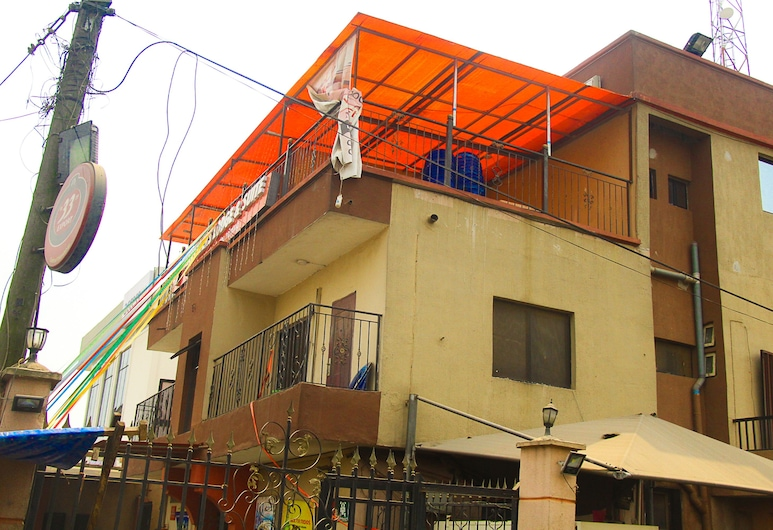 New Travellers Lodge & Suite, Lagos