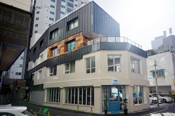 Foto BLUEHUM Guesthouse - Hostel di Incheon