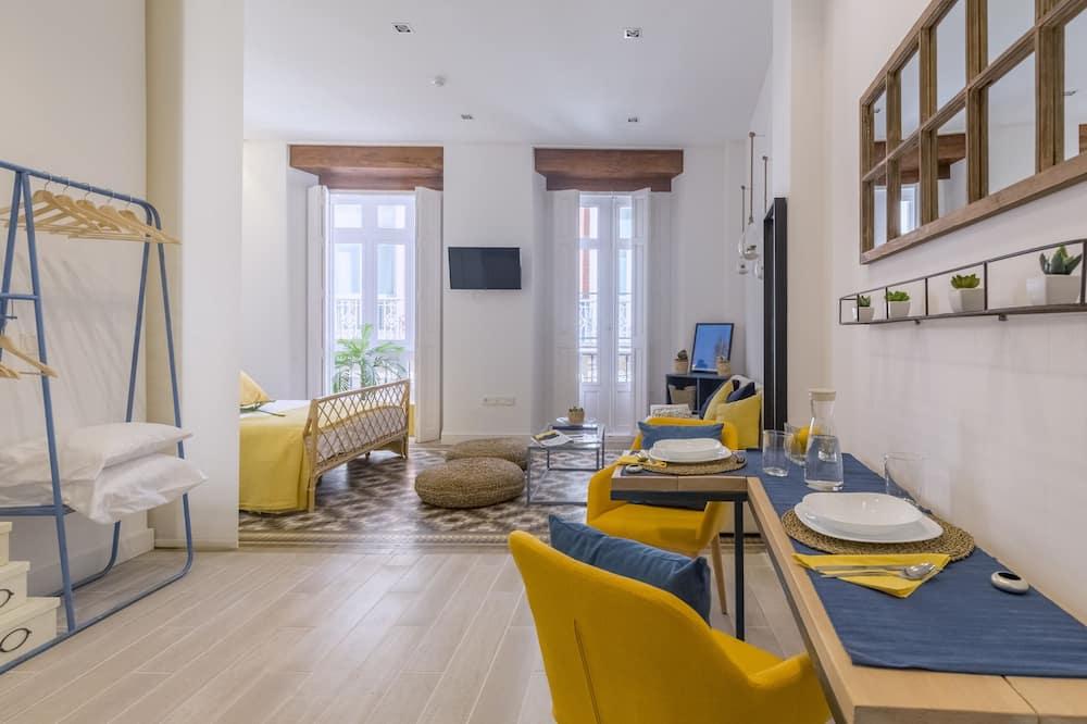 Studio, Balcony (Skyline2) - In-Room Dining