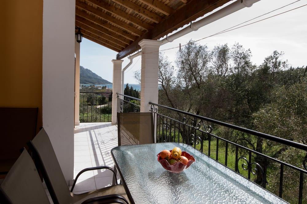 Apartamento Standard, 2 Quartos, Banheira, Vista Montanha - Varanda