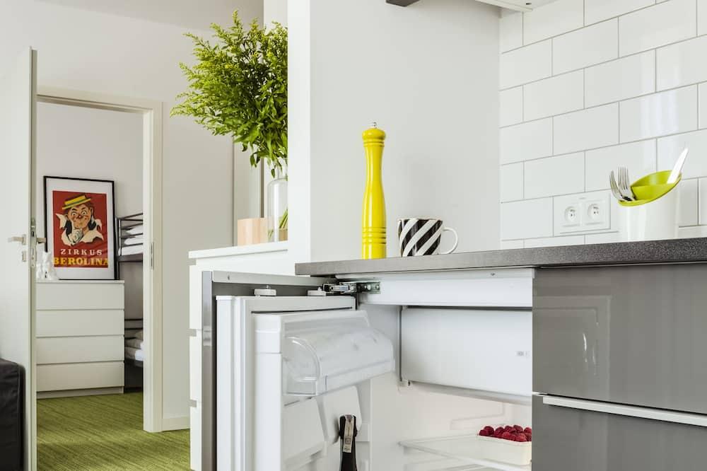 Номер-люкс, 1 спальня - Міні-холодильник