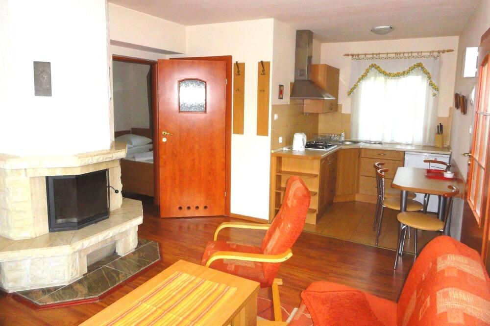 Bungalow, 2 Bedrooms (2) - Living Area