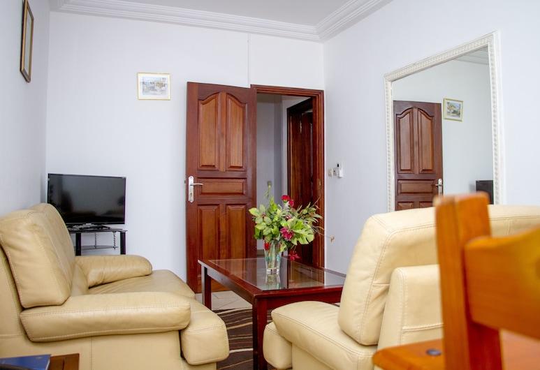 Residence Emmanuella, Abidjan, Senior Apartment, 1 Queen Bed, Living Area