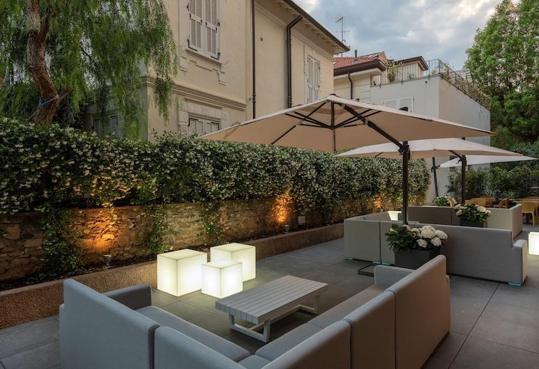 Hotel Riva, Alassio, Garden