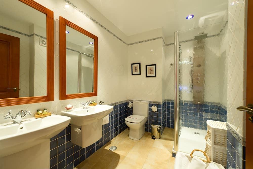 Apartman, 3 spavaće sobe, balkon - Kupaonica