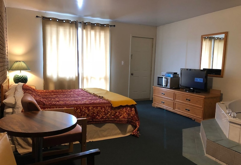 Spanish River Inn, Spanish, Deluxe Room, Jetted Tub, Guest Room