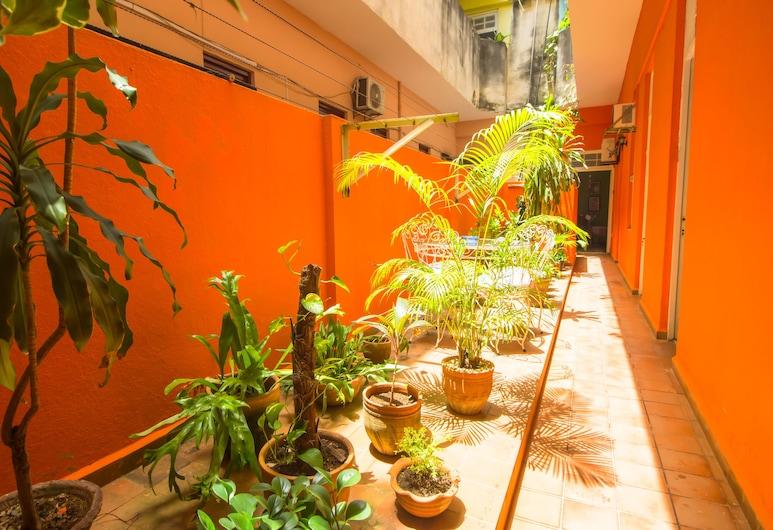 هوستال جونزاليز أولد هافانا, هافانا, غرفة عادية ثلاثية, تِراس/ فناء مرصوف