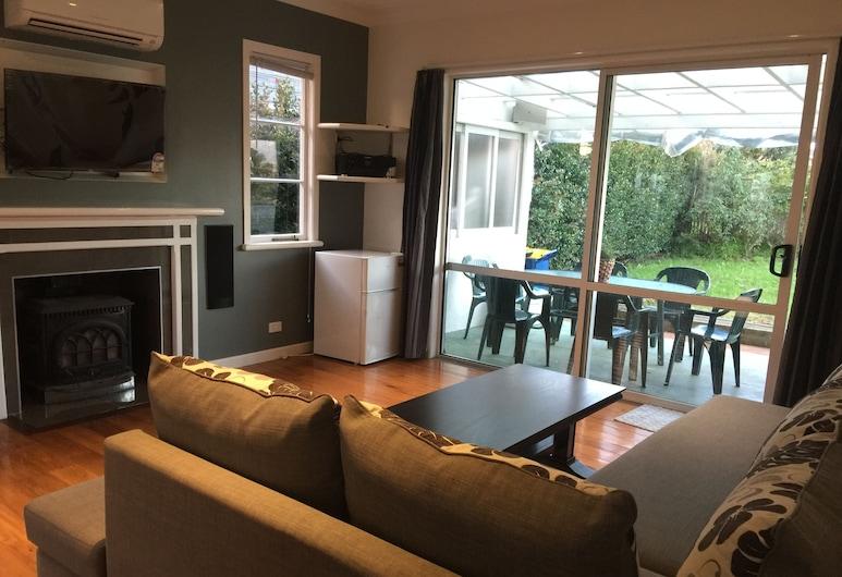 Newly refurbished 2 bedroom in Milford, Milford, Classic maja, 2 magamistoaga, Lõõgastumisala
