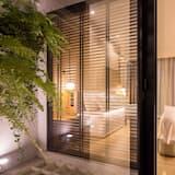 חדר אקזקיוטיב, מיטת קינג, נוף לבריכה - חדר אורחים
