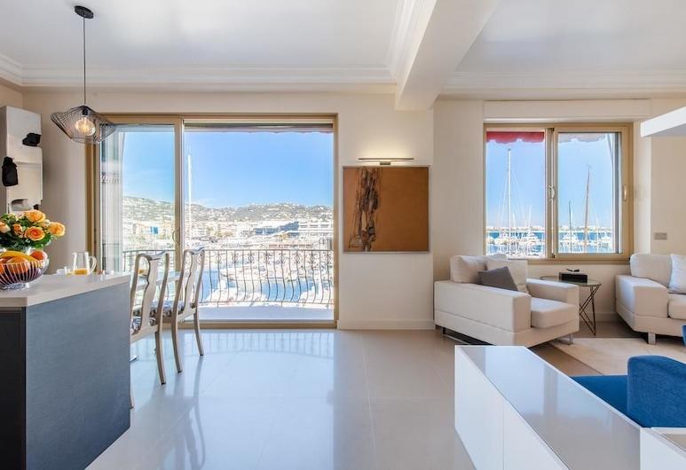 The View YourHostHelper, Cannes, Deluxe apartman, Nappali rész