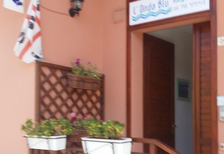 L'Onda Blu, Domus de Maria, Hotelfassade