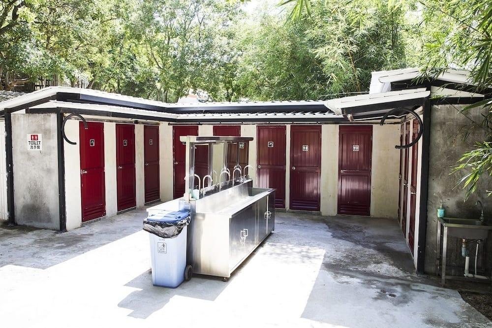Economy Tent, Multiple Beds, Non Smoking - Bathroom