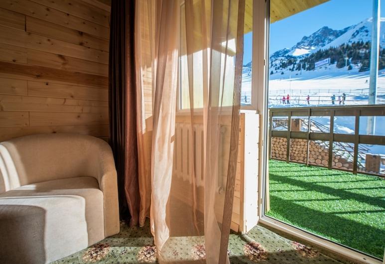 Курортный отель «Шимбулак», Алматы, Двухместный номер «Джуниор» с 1 или 2 кроватями, 1 спальня, Вид из номера