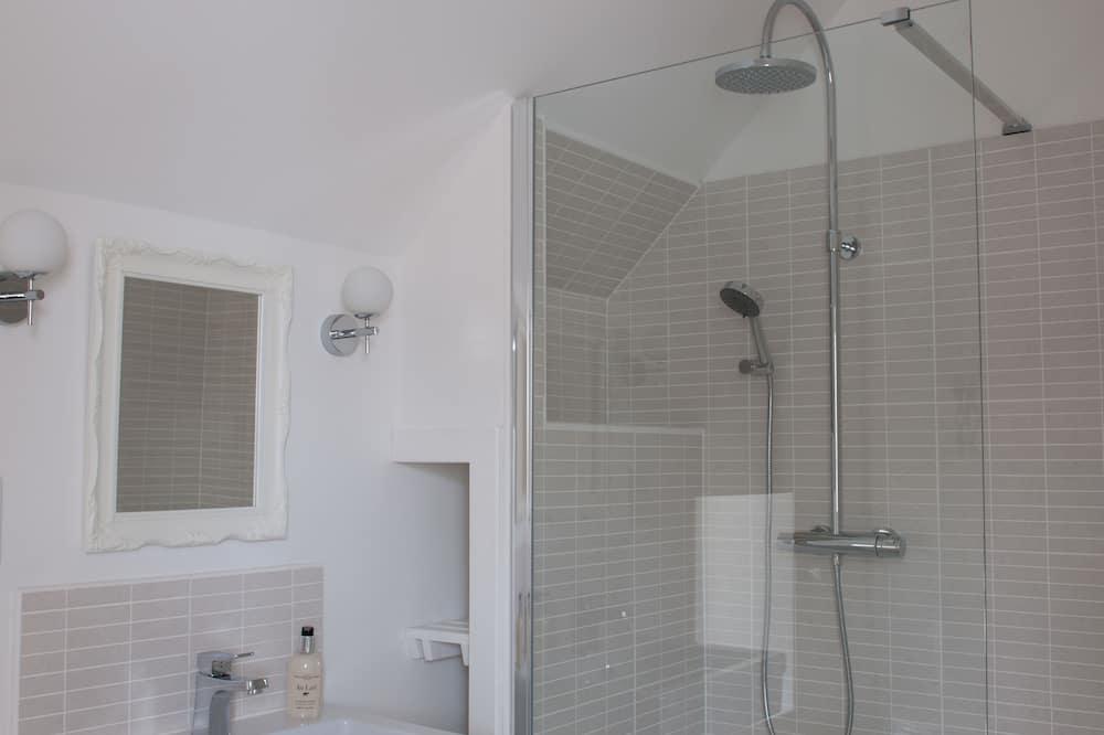 Luxury Double Room, 1 King Bed, Garden View - Bathroom Shower