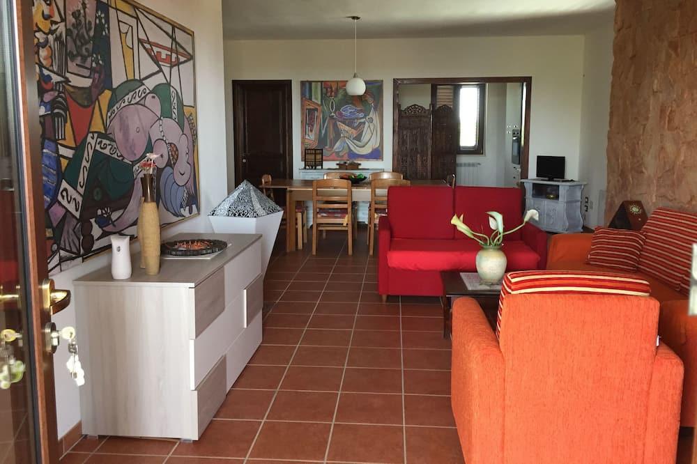 شقة عائلية - ٣ غرف نوم - منظر للحديقة - غرفة معيشة