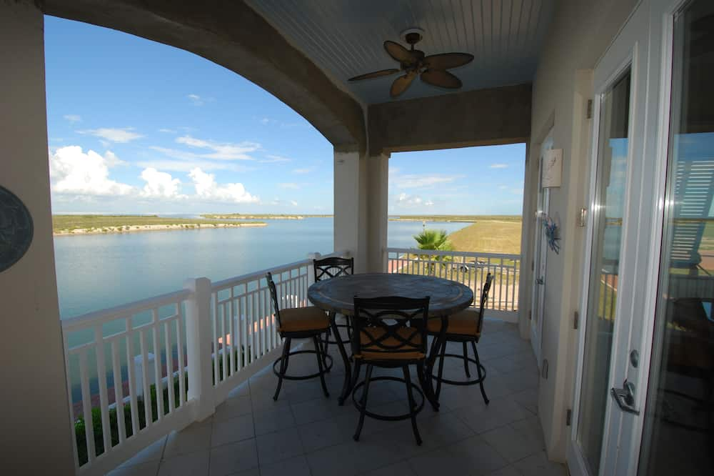 Townhome, 3 Bedrooms - Terrace/Patio