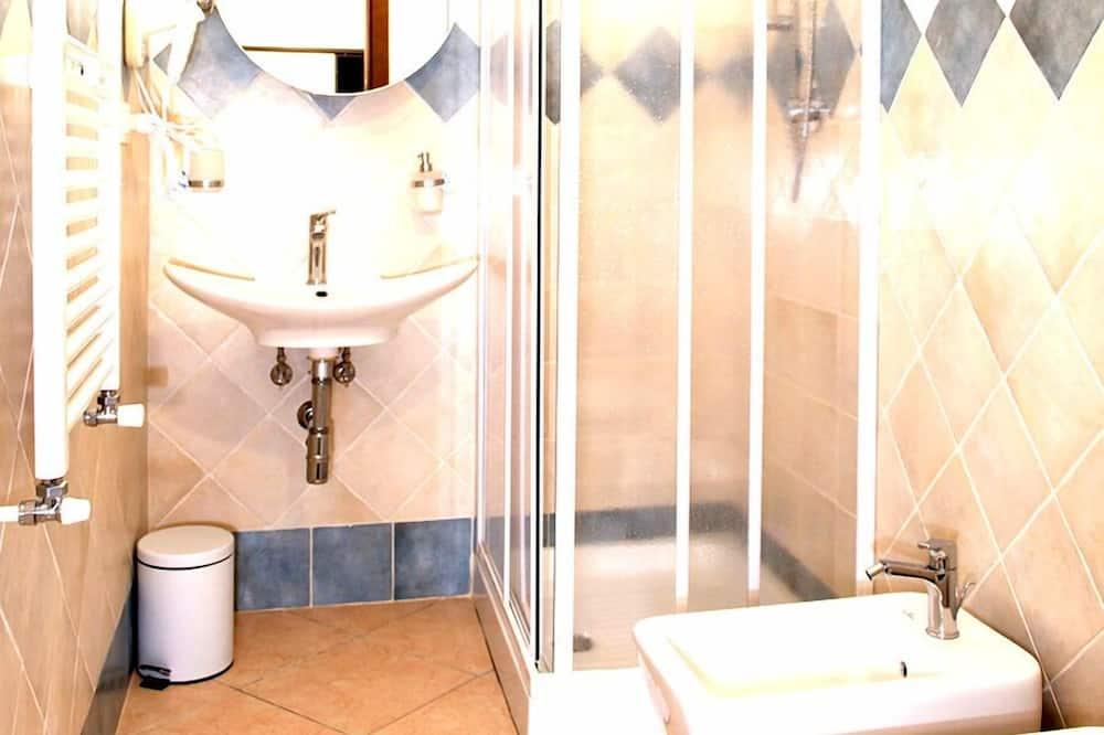 Double or Twin Room, Private Bathroom - Bathroom