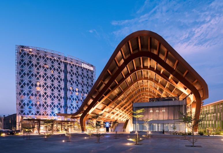 Hilton Port Moresby, Port Moresby, Hotel Front