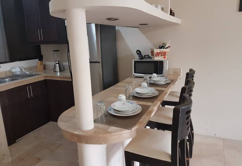 NCG Suite 1, Guayaquil, Apartment, 2 Bedrooms, Private kitchen