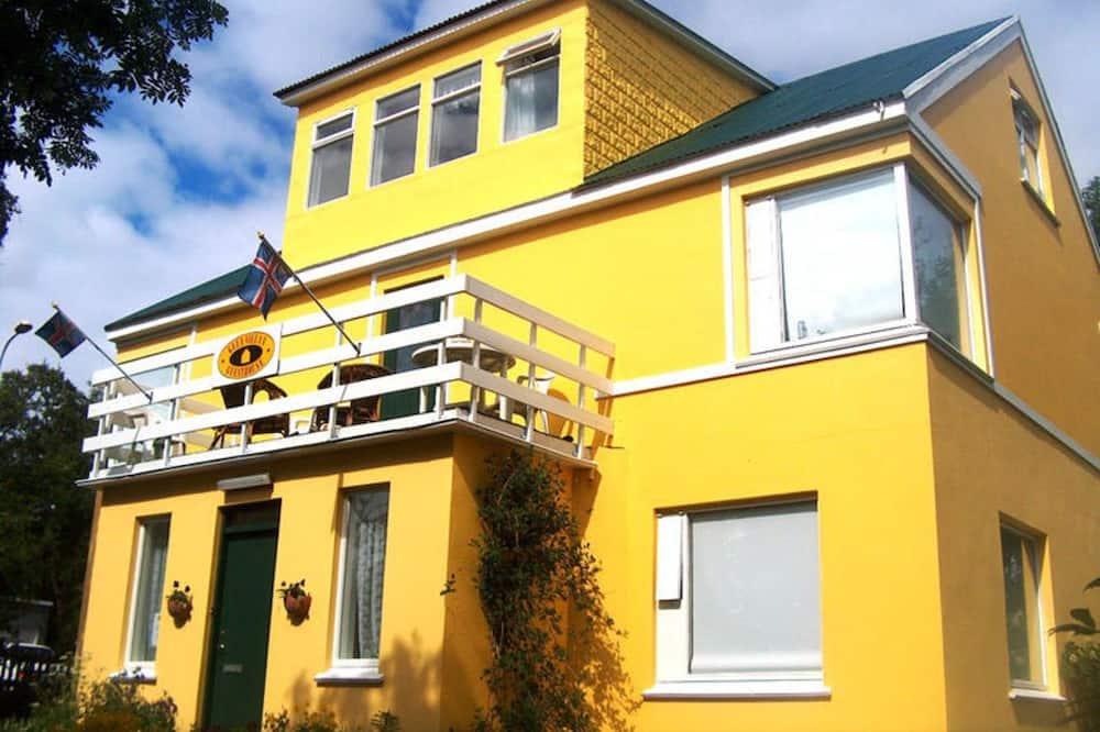 Gula Villan Þingvallarstræti