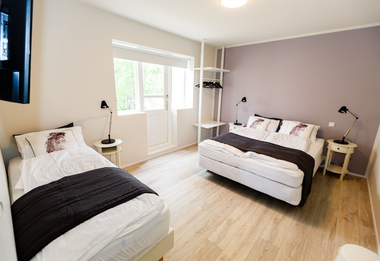 Súlur Guesthouse 1, Akureyri, Triple Room, Private Bathroom, Guest Room