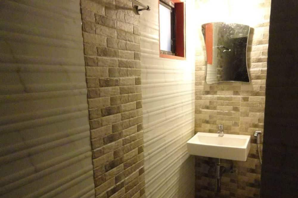 Deluxe Double Room, Mountain View - Bathroom