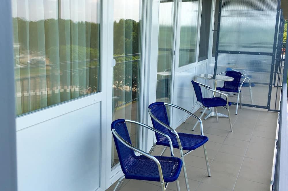 Basic Oda, Birden Çok Yatak, Göl Manzaralı - Balkon