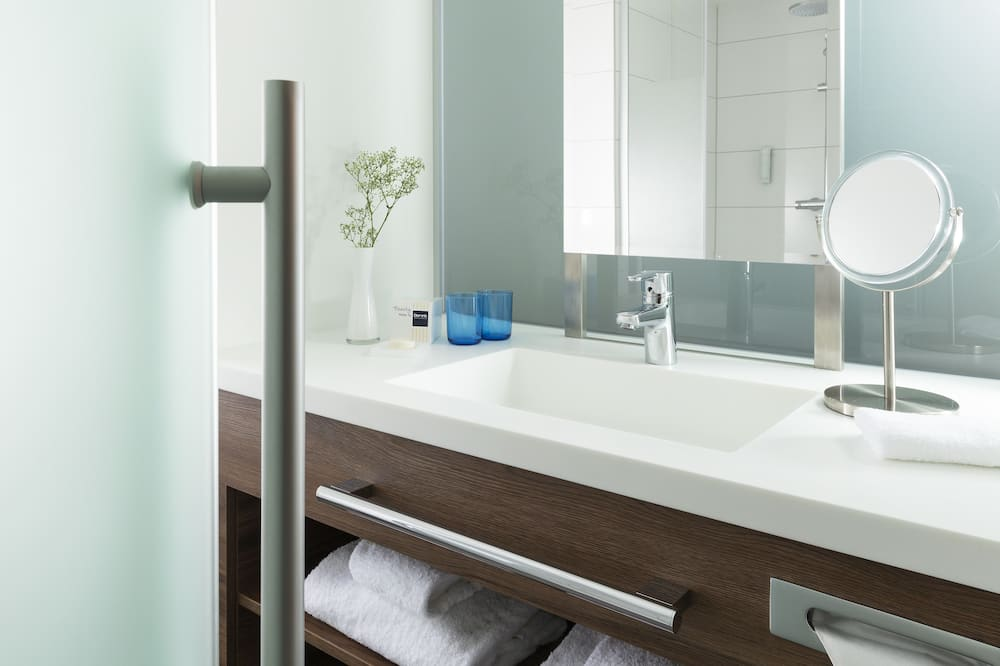חדר דה-לוקס זוגי, נגישות לנכים - חדר רחצה