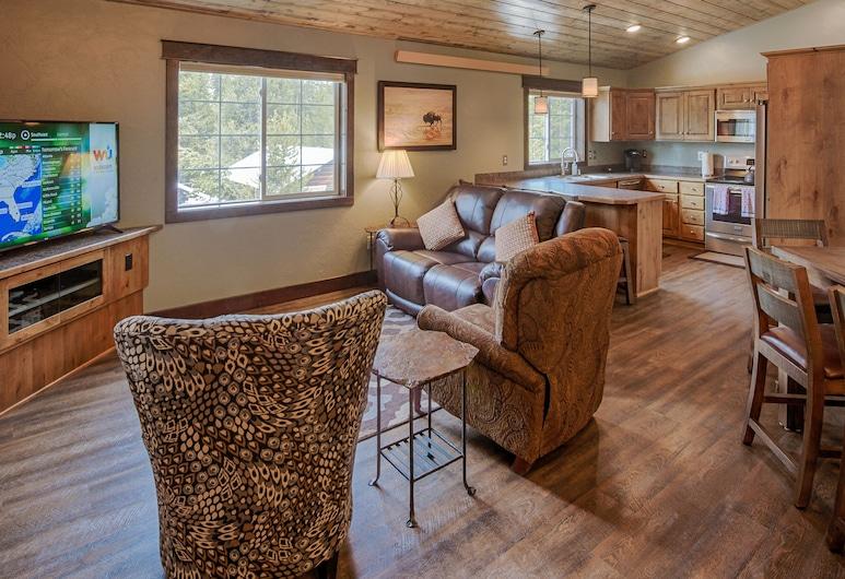 Blue Grouse Vacation Rental - NEU !! Fertigstellung Mai 2018, West Yellowstone, Wohnzimmer