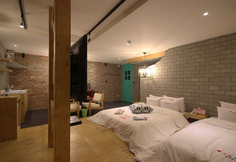 Hotel Yaja Dongrae, Busan, Family Twin Room, Guest Room
