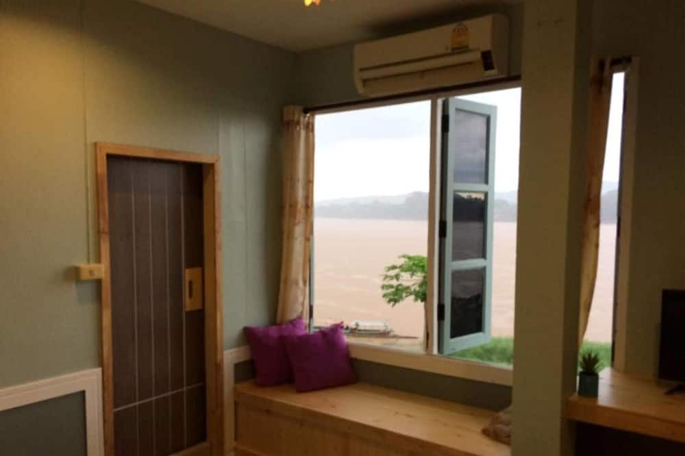 Standard Room with River View  - Living Area