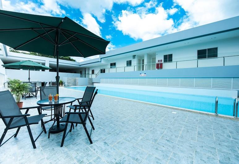 아만 힐스 호텔, 반다르 세리 베가완, 야외 수영장