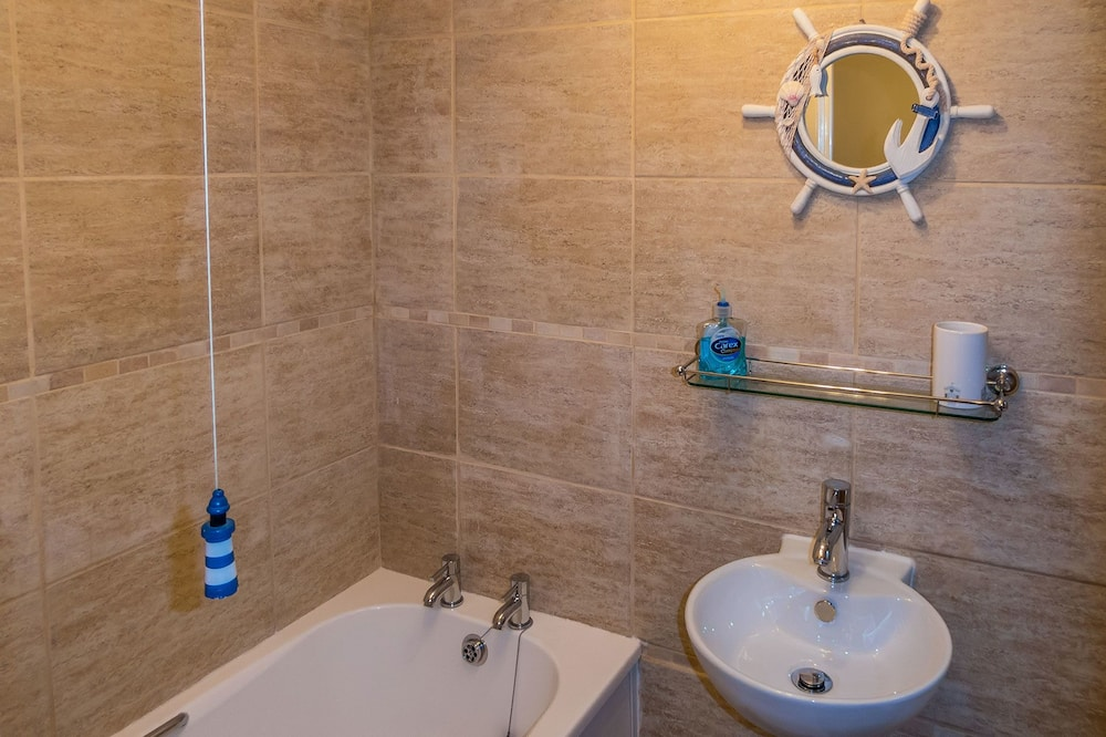 Deluxe Cottage, 1 King Bed, Harbour View - Bathroom