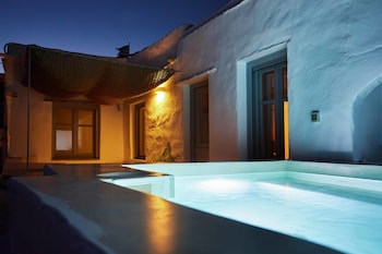 Gambar Living Theros Luxury Suites di Tinos