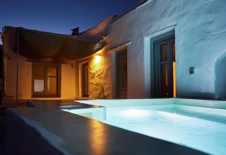 Living Theros Luxury Suites, Τήνος, Junior Σουίτα, Μπανιέρα με Υδρομασάζ, Θέα στη Θάλασσα, Δωμάτιο επισκεπτών
