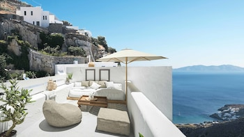ภาพ Living Theros Luxury Suites ใน Tinos